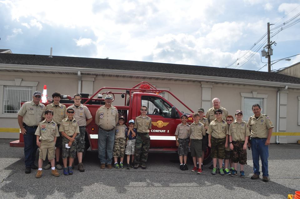 CLEANING DOWN TOWN – Boy Scout Troop #52 Community Service